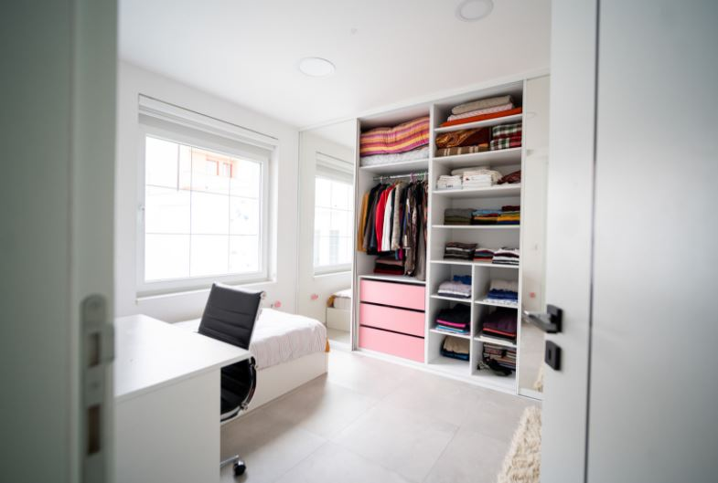 How to Convert a Spare Bedroom Into a Home Office
